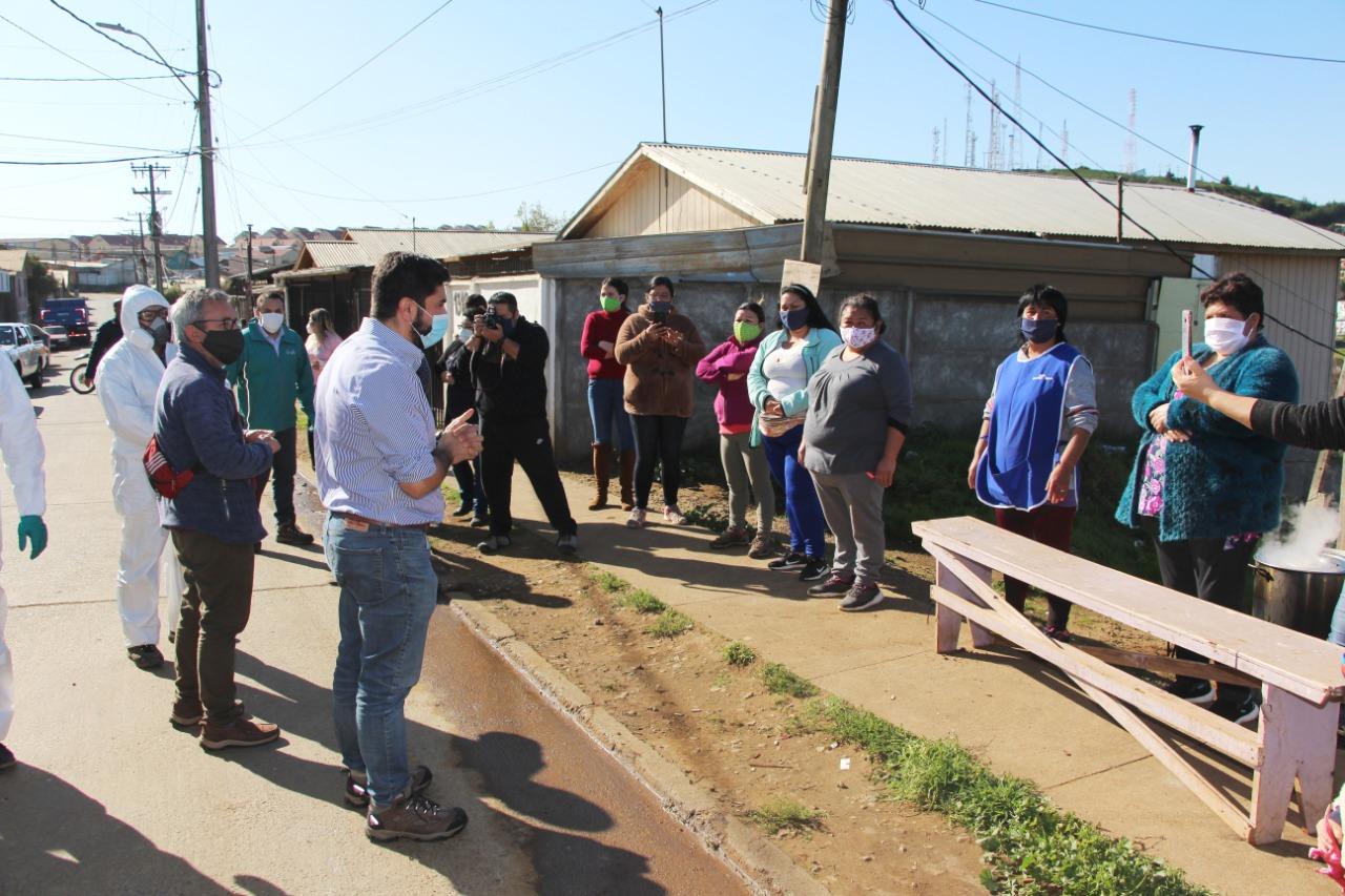 Pescadores de San Vicente donan alimentos para familias de campamentos en Talcahuano