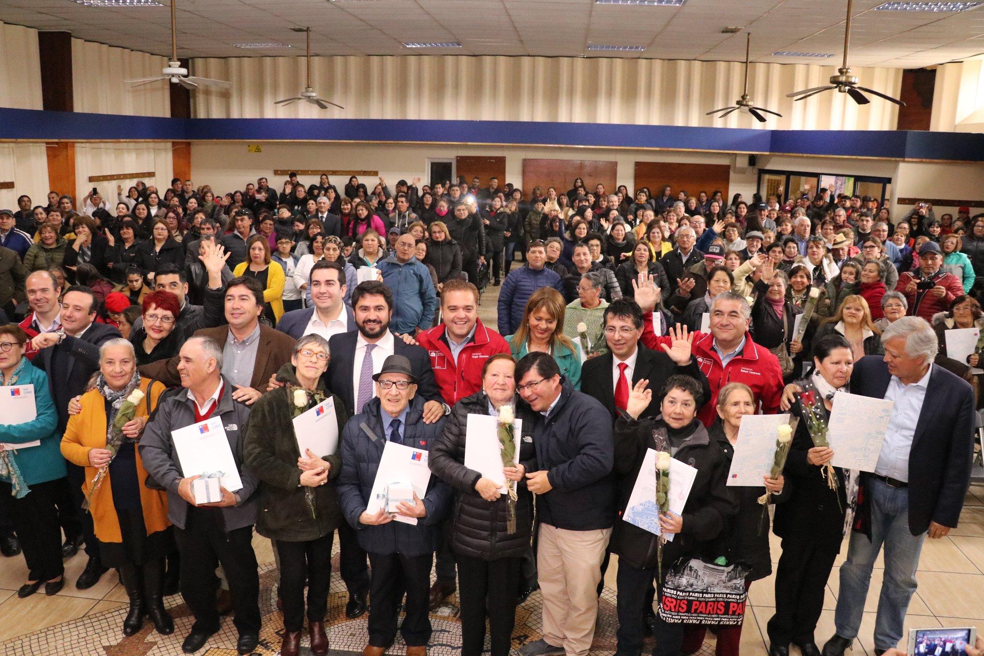 400 Familias de Talcahuano recibieron títulos de dominio de sus viviendas