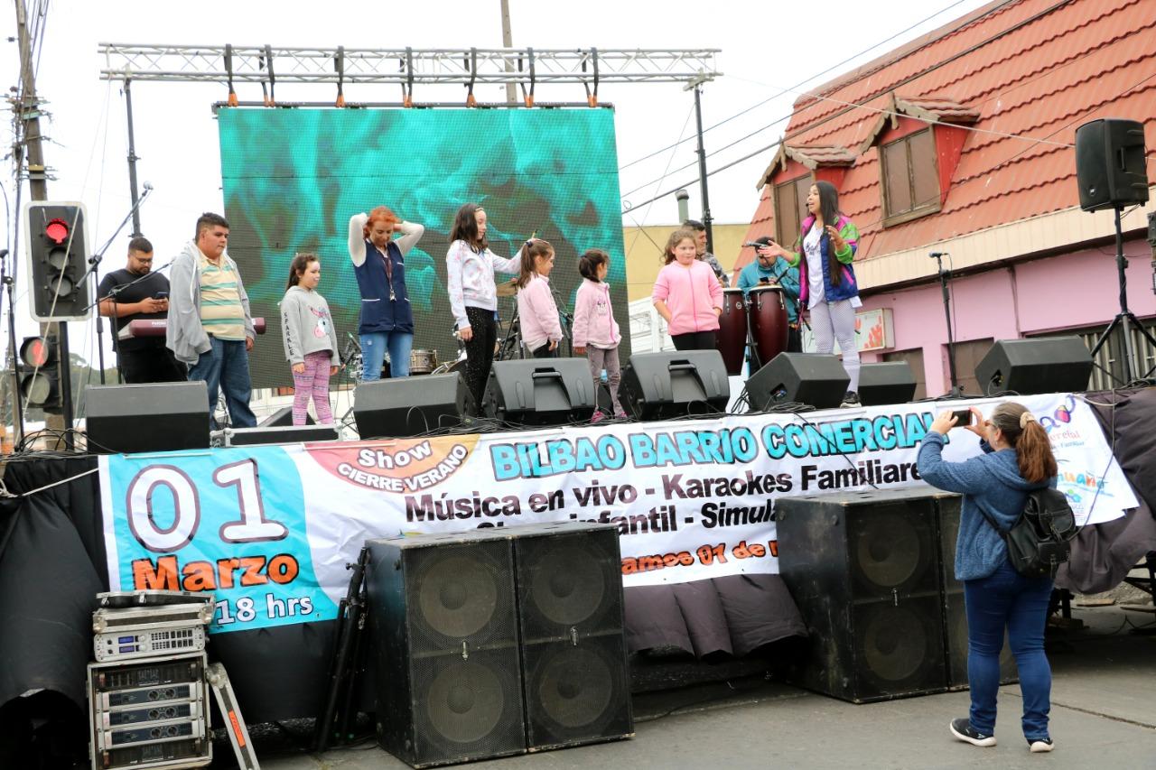 En Barrio Bilbao de Talcahuano se realizó show callejero para cerrar el verano 2020